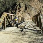 Über die Brücke im Barranca del Cobre nach Batopilas