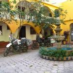 Im Innenhof des Hotels in Batopilas